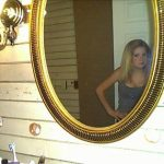 Montre seins contre branlette webcam