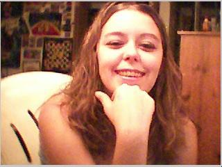 Marie se caresse à la web cam